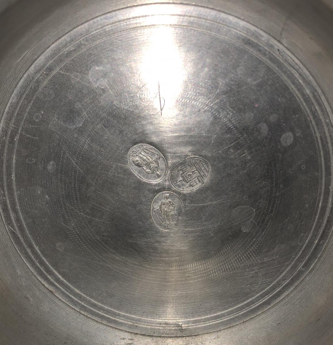 Inside lid