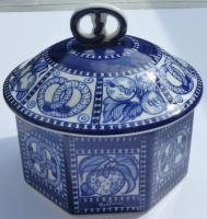 Bisquit Lidded Box