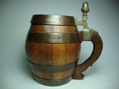Wooden coopered stein