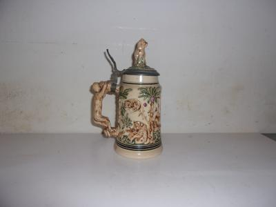 Monkeys and Cats Stein