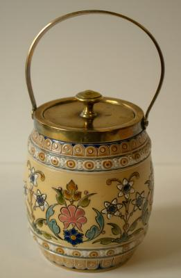 Honey jar by Villeroy & Boch, dated 1889