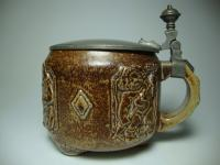 stein with putti